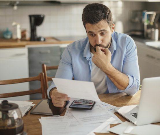 Entenda os impactos das dívidas na sua vida e na família!